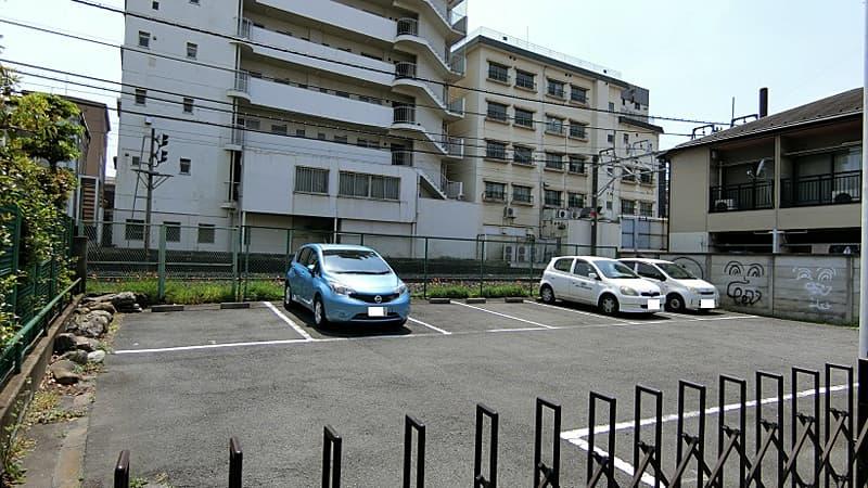 大山東町松澤駐車場